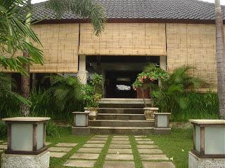 Bali impression: after the rain in Villa Sabandari, a quiet luxury boutique hotel in Ubud, Bali