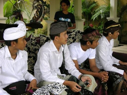 Saraswati meeting in een klein hotel in Ubud