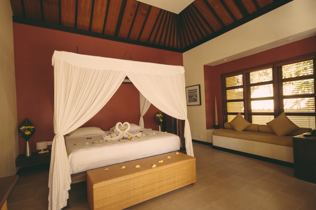 Poster bed in the Kecak room in Villa Sabandari, Ubud Bali
